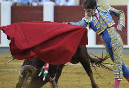 Last bullfight catalonia 700 years jan first