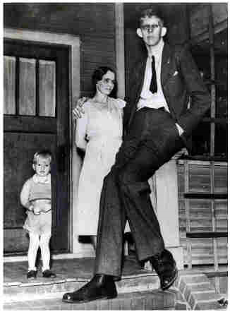 1936 robert wadlow tallest person