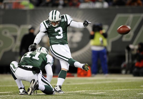 Jets-kicker-jay-feely-kicks-field-goal-against-cincinnati-bengals