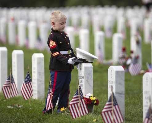 Obama-commemorates-last-Memorial-Day-as-president