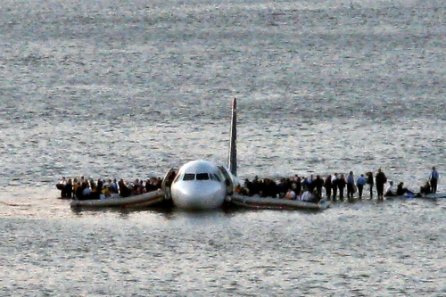 Miracle-on-the-hudson-plane-evacuation