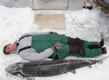 Ice_fishing_fun