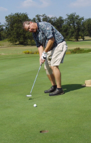 Golf_8_walt_putting