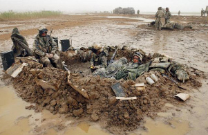 Marines_in_mud