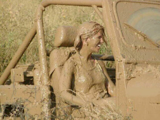 Muddy_fun_in_jeep